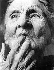 vieille-femme-sage